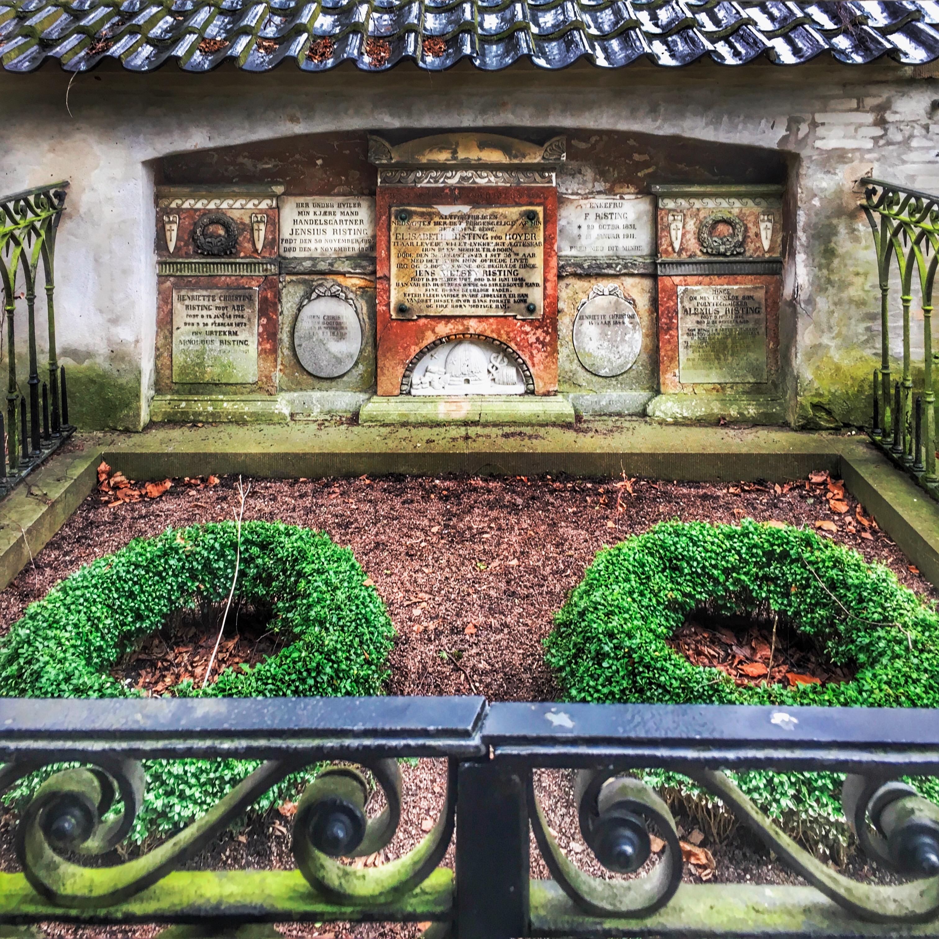 Assistens Kirkegård: Generations